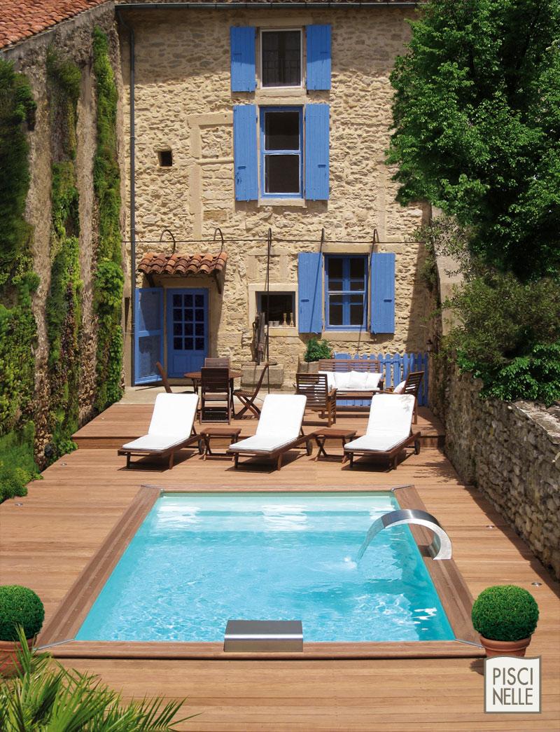 piscine dans un petit espace aucun probl me avec piscinelle abri de jardin et piscine le blog. Black Bedroom Furniture Sets. Home Design Ideas