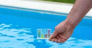 les-analyses-de-l-eau-de-la-piscine-a-quelle-frequence-les-effectuer-14712-1200-630
